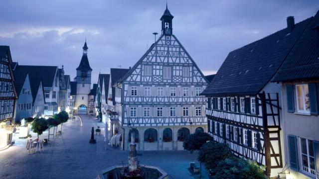 Marktplatz von Winnenden mit Fachwerkhäusern