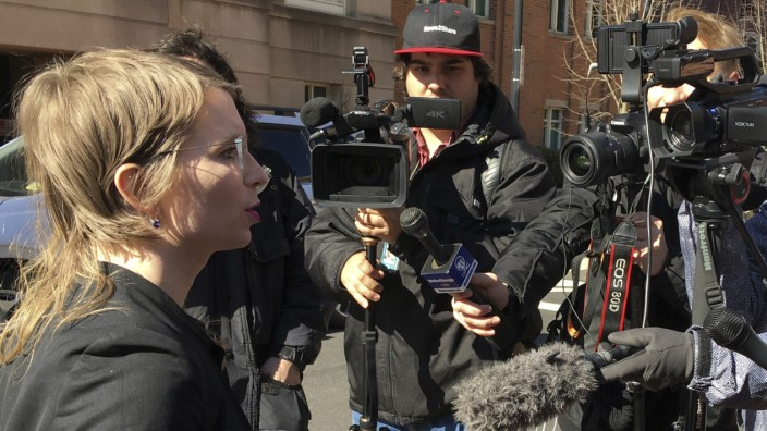 Whistleblowerin: Chelsea Manning bei einem Pressestatement vor dem Gerichtsgebäude in Alexandria, Virginia.
