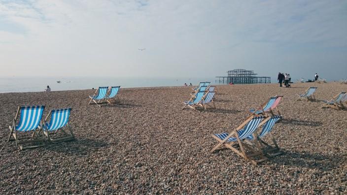 Brexit: In Brighton stehen Liegestühle bereit für Urlauber aus dem In- und Ausland.