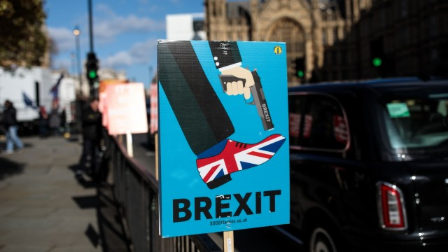 Pro And Anti Brexit Protesters Demonstrate Outside Parliament