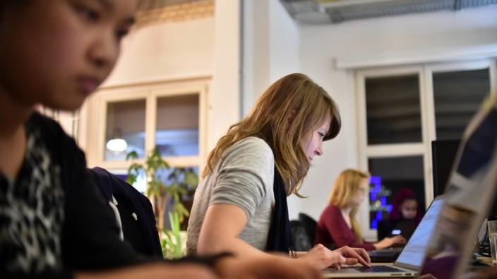 Programmierkurse sollen Frauen IT eröffnen