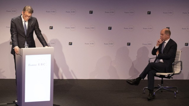 ECB President Draghi And Financial Leaders At European Banking Congress