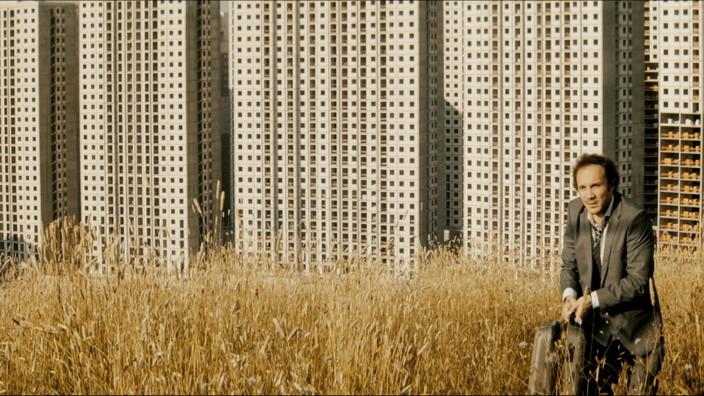 """Kino: Odyssee durch Istanbul: """"Son Çıkış"""", der Eröffnungsfilm, läuft als Deutschland-Premiere. Die zweite Hauptrolle - neben der Stadt - spielt Deniz Celiloğlu."""