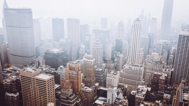 Blick aus dem Rockefeller Center auf die Hochhäuser von Manhattan.