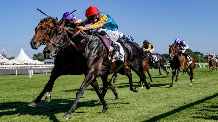 Galopp-Derby in Hamburg; Jockey Adrie de Vries