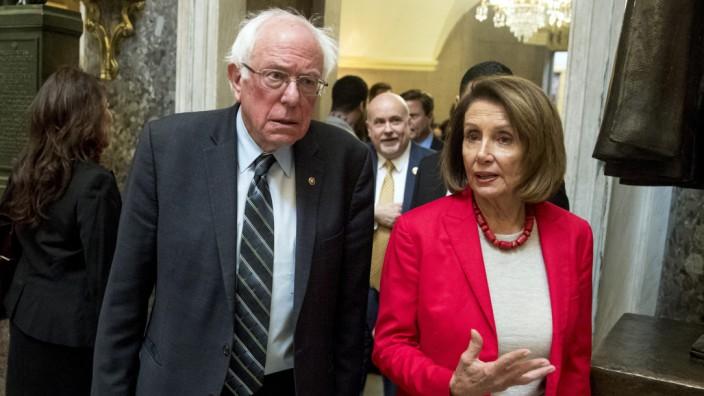 USA - Die Demokraten Nancy Pelosi und Bernie Sanders