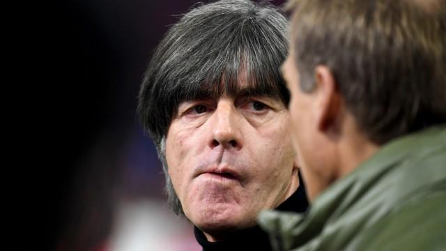 DFB-Bundestrainer Jogi Löw bei der EM-Qualifikation Niederlande gegen Deutschland