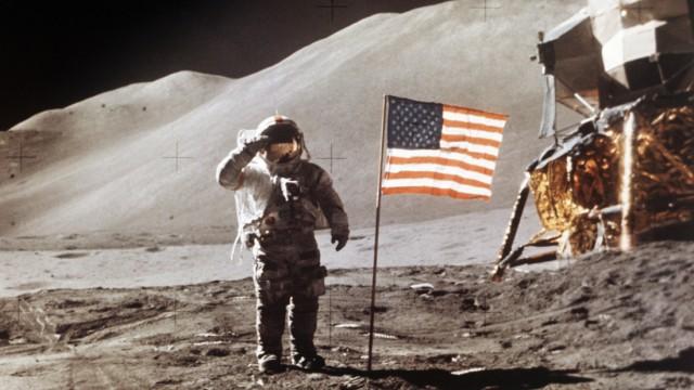 Mondlandung 1971 - Astronaut James Irwin auf dem Mond