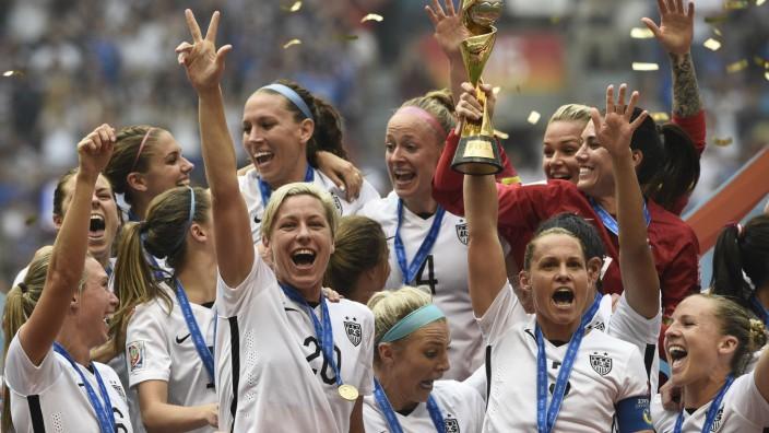 Frauenfußball-WM - Die US-Amerikanerinnen bejubeln den WM-Titel 2015