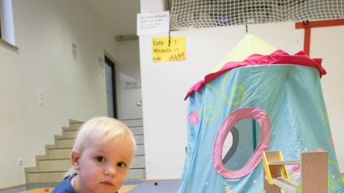 Kim-Indoor-Spielplatz an der Hanauer Straße 54, Einverständnis der Eltern eingeholt
