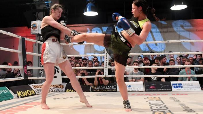 Stekos Fight Club im Mixed Munich Arts