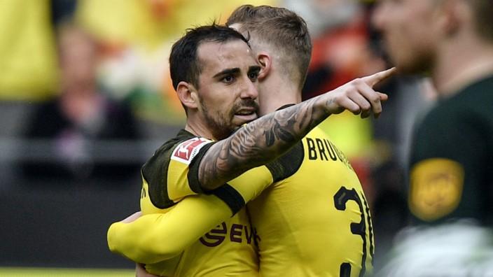 BVB: Paco Alcacer bejubelt ein Tor gegen den VfL Wolfsburg