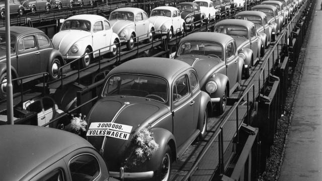 VW-Käfer nach der Verladung in Wolfsburg, 1959