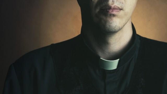 Priester Detail