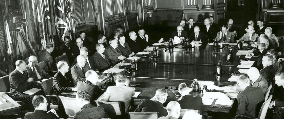NATO Anniversary: The First Session Of The North Atlantic Council In Brussels 38247 1949 Nat