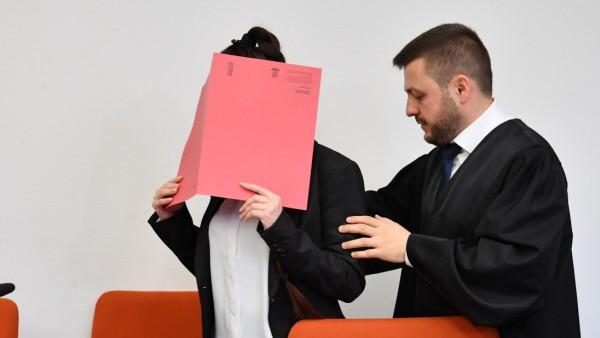 IS-Anhängerin Jennifer W. beim Prozess in München