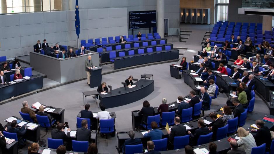 Live Bundestag debattiert über rechten Terror