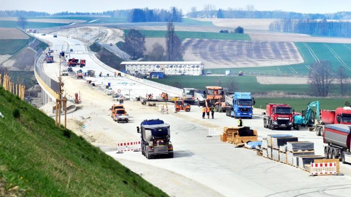 Bauarbeiten auf der Autobahn A 94 im Isental