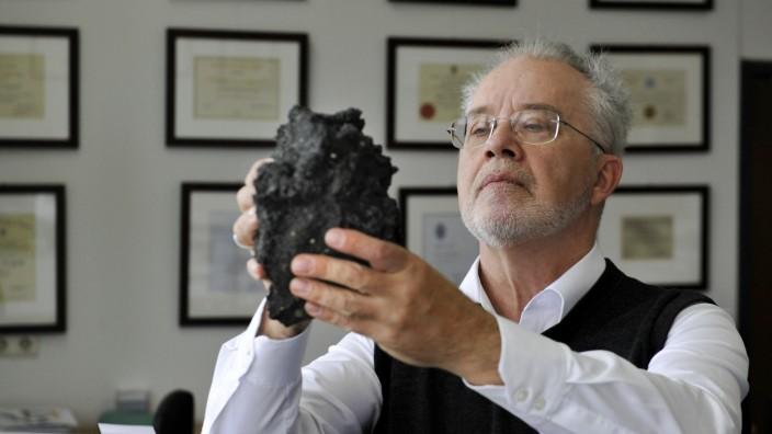 Finanzen: Der Vulkanologe Donald Dingwell will mit Geld aus Brüssel die Vorhersage von Ausbrüchen verbessern.
