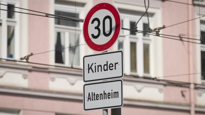 Straßenkreuzung in München, 2018