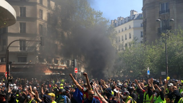 French 'yellow vests' stage 23rd consecutive national protest on Saturday