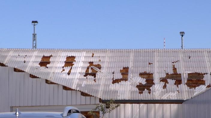 Bombensprengung beschädigt Gebäude