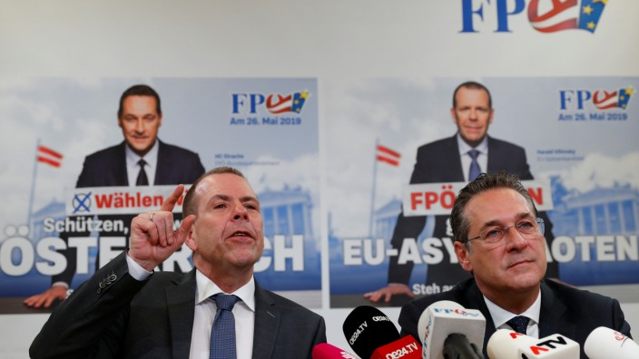 Austria's Vice Chancellor Strache and FPOe top candidate Vilimsky address the media in Vienna