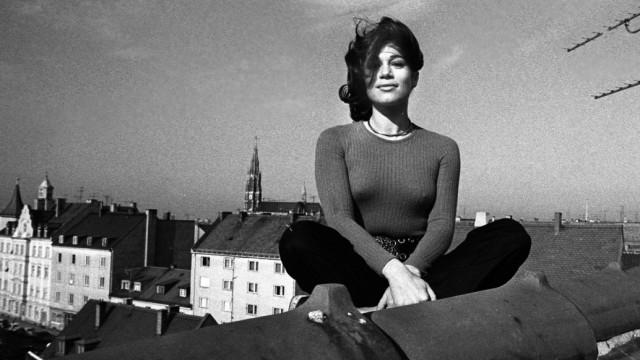 Hannelore Elsner Giesing