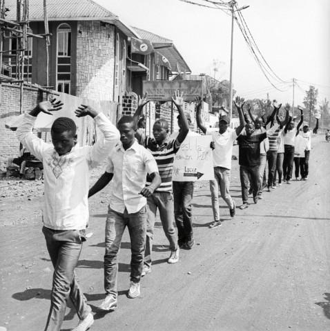 """Mitglieder der kongolesischen Protestbewegung """"La Lucha"""" protestieren."""