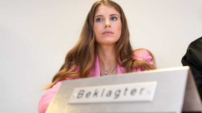 Urteil in Zivilprozess: Cathy Hummels macht keine Schleichwerbung