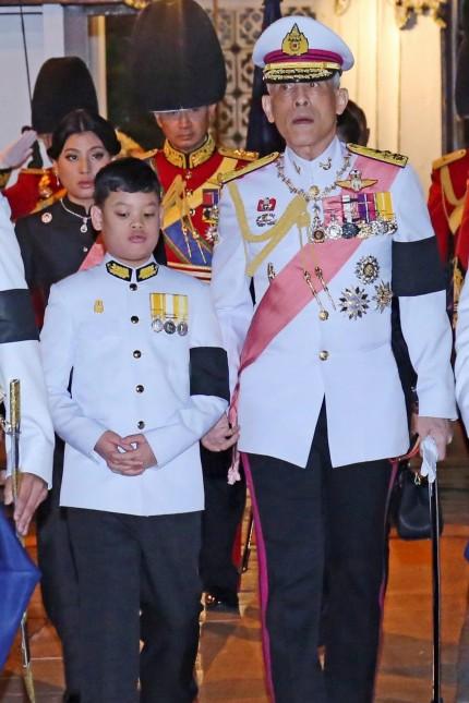 Thailands Monarch Rama X. wird gekrönt