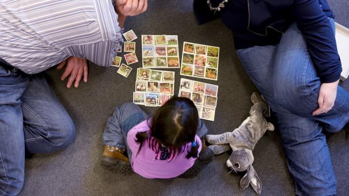 Zahlen des Familienministeriums: Immer mehr Kinder in Deutschland wachsen in Pflegefamilien auf.