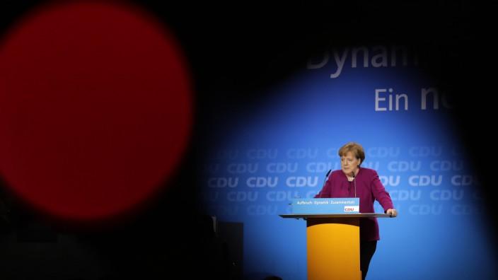 Die ewige Kanzlerin: Sie regiert und regiert und regiert ... die Frage ist, wie lange ihre eigene Partei sie noch lässt.