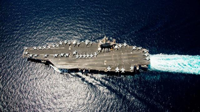 US keeps carriers near Gulf ahead of Iran talks