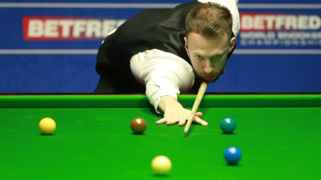SHEFFIELD ENGLAND APRIL 30 Judd Trump of England plays a shot in the quarter final match agains