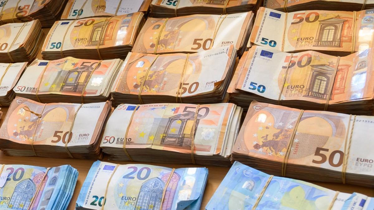 Überweisen geld anonym Anonym Geld
