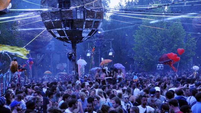 Freitags abends auf der Tanzwüste Fusion Festival in Lärz 2016 mit rund 70 000 Besuchern vom 29 06