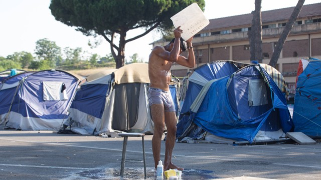 Italy Eviction of migrants in Rome This morning the police entered the camp of migrants in Via Gera