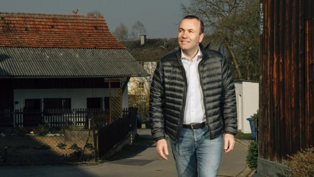 Manfred Weber. Der Spitzenkandidat der EVP-Fraktion für die Europawahl, Manfred Weber, in seiner Heimat in Wildenberg, Niederbayern.