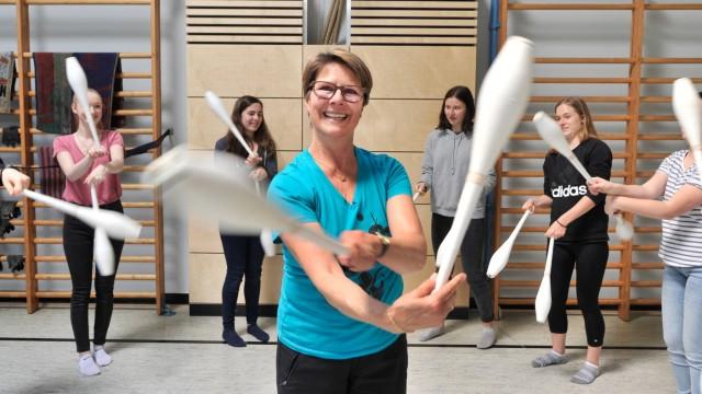 Gilching: Karin Ganslmeier und die Bewegungskünstler Glow Talents vom CPG