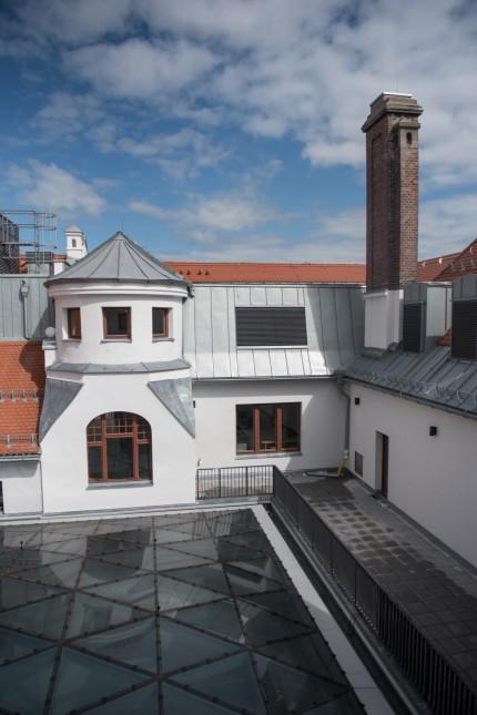 Rundgang durch das frisch renovierte IHK - Gebäude