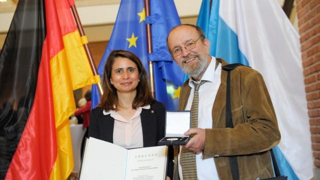 Auszeichnung: Voller Einsatz für Europa und Bayern: Eugénia Viana da Conceição-Heldt und Anthony Rowley.