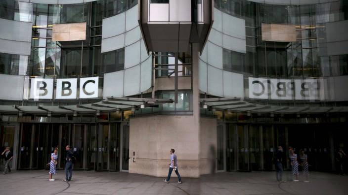 Gleichberechtigung: Das BBC Hauptgebäude in London. Innerhalb eines Jahres haben 500 Teams den Vorsatz einer geschlechtergerechten Aufteilung erfüllt.