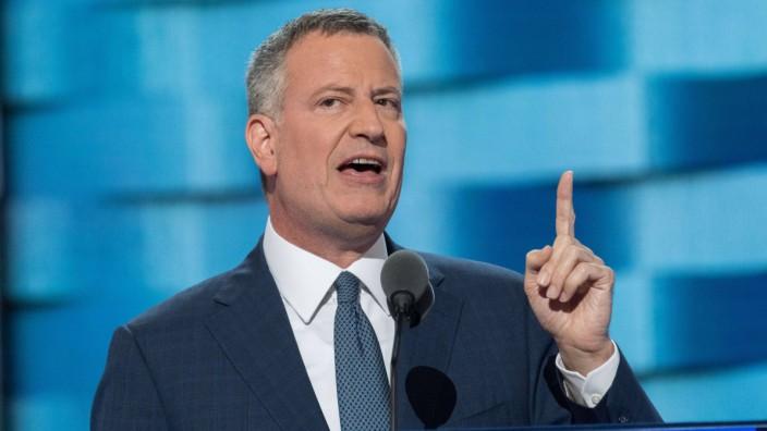 July 27 2016 Philadelphia PA UNITED STATES New York City Mayor Bill de Blasio speaks on the