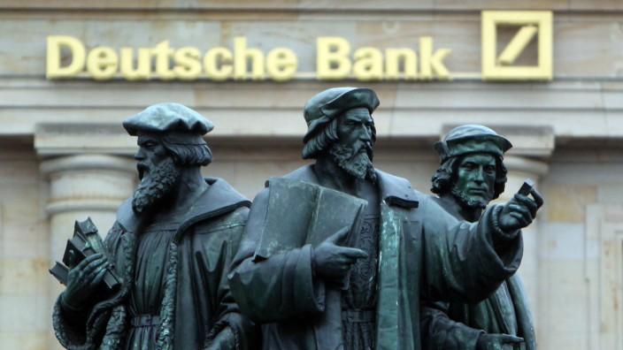 Deutsche Bank am Roßmarkt im Bankenviertel in Frankfurt