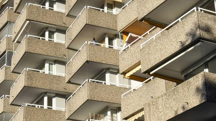 Mietwohnungen und Wohnungen aus sozialem Wohnungsbau im Freiburger Westen. Weil bezahlbare Wohnungen fehlen, hat Baden-Württemberg ein Ministerium für Wohnen und Landesplanung eingerichtet.