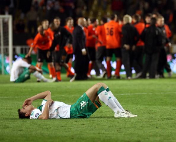 Sebastian Boenisch Bremen ist schwer enttäuscht während Donezk feiert PUBLICATIONxNOTxINxTUR; Shaktar Donezk Werder Bremen
