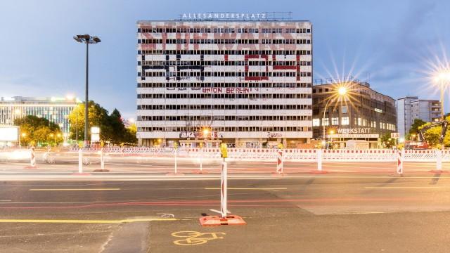 """Alexanderplatz """"Haus der Statistik"""" in Berlin"""