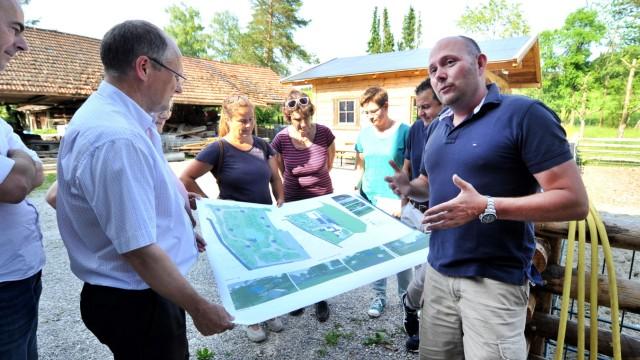 Breitbrunn Perger Ortsbesichtigung mit Neubesitzeer Josef Schernthaner