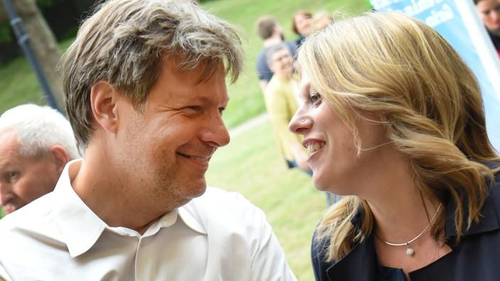 Bremen - Maike Schaefer und Robert Habeck (Grüne) 2019 auf einer Wahlparty